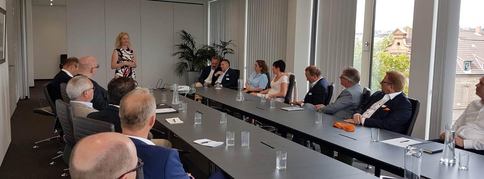 2  Partnerdialog der A B S  in Wiesbaden: zum Thema Turnaround